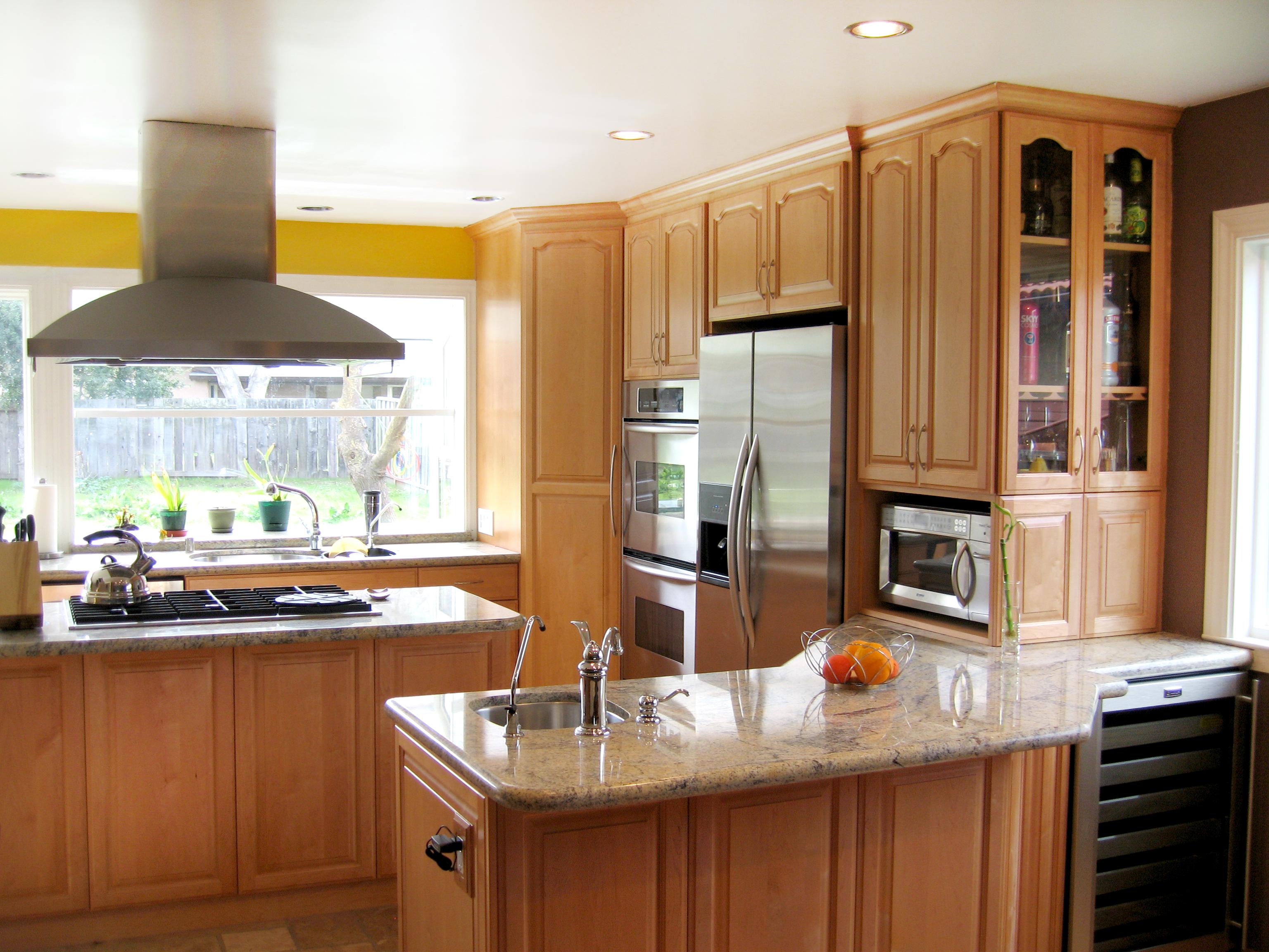 Maple kitchen in Halfmoon bay